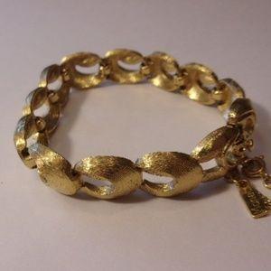 "Vintage Monet Gold Tone Bracelet 7"" Long"